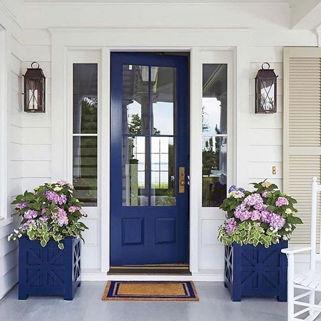 "#lookswelove This bold blue entryway says ""welcome home!"" with a transparent view of the inside (not to mention a view of the back as well). #interiordesign #home #entryway #porch #utah ⠀⠀⠀⠀⠀⠀⠀⠀⠀⠀⠀ #repost: @osmomddesigns You never get a second chance to make a first impression...Does your home need a quick update? ❤️🏡 Here is a quick and easy design tip: 1. Add a fresh coat of paint to your front door and planters. 2. Plant fresh flowers or succulents. 3. Add a new doormat. —  Furniture and Interior Design available @osmonddesigns - - - - - - - -#homesweethome #frontdoor #frontdoordecor #home #decor #paradeofhomes #osmonddesigns #heatherosmond #ksl #kslnews #hgtv #family #utah"
