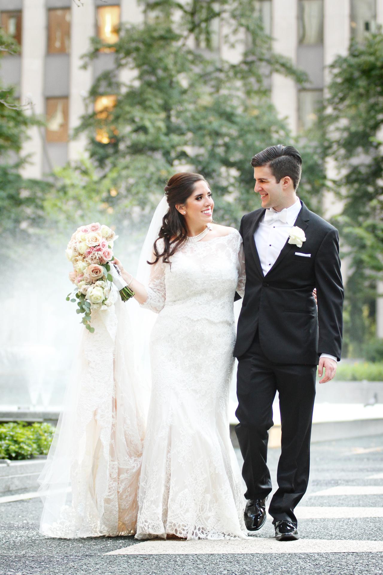 a-bride-groom-in-park.jpg