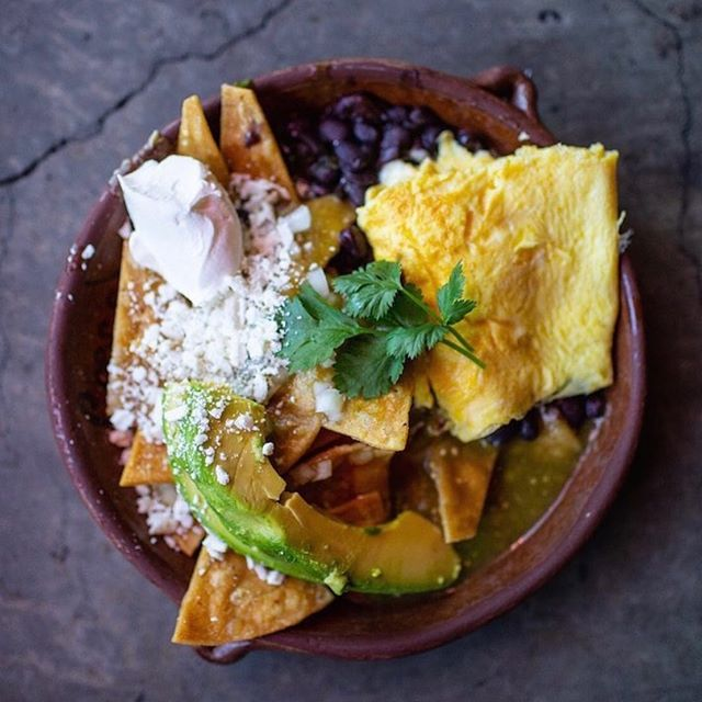 Brunch dreams at Cosecha 🤤. Have you had their chilaquiles yet? 📸: @cosechacafe . . . . . . . #brunch #chilaquiles #keepitoakland #oldoakland #boldoakland #oaklandloveit