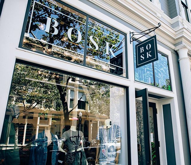 So fresh and so clean 🧼. Did you know @bosk_oak moved into a new spot on 9th Street or have you been sleeping on it?! Come check out their new digs at 465 9th St. . . . . . . . #shoplocal #oaklandloveit #oakland #streetwear #oldoakland #boldoakland #fresh #newstore #shopoakland #shopoldoakland #historicbuilding