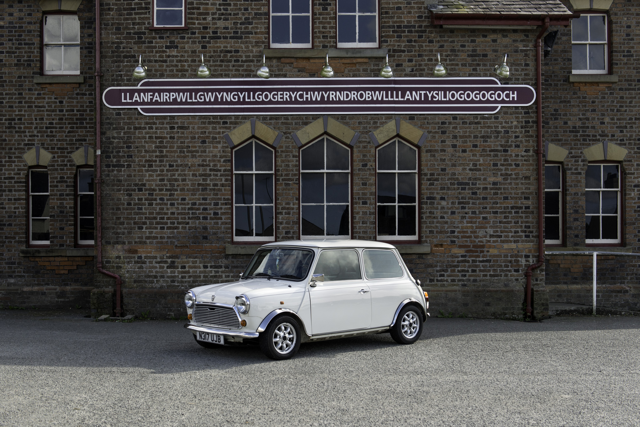 1995 ROVER MINI MAYFAIR  |  OWNER - ABBIE & ZAC REILLY  |  LOCATION - LLANFAIRPWLL
