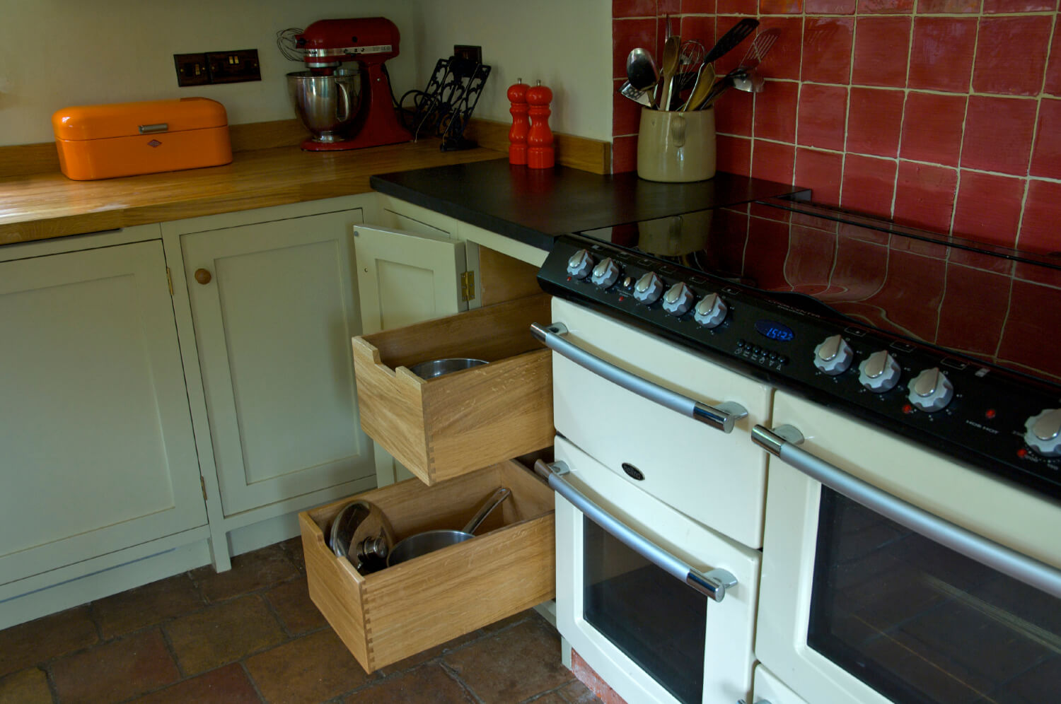 Pull out internal dovetailed drawers