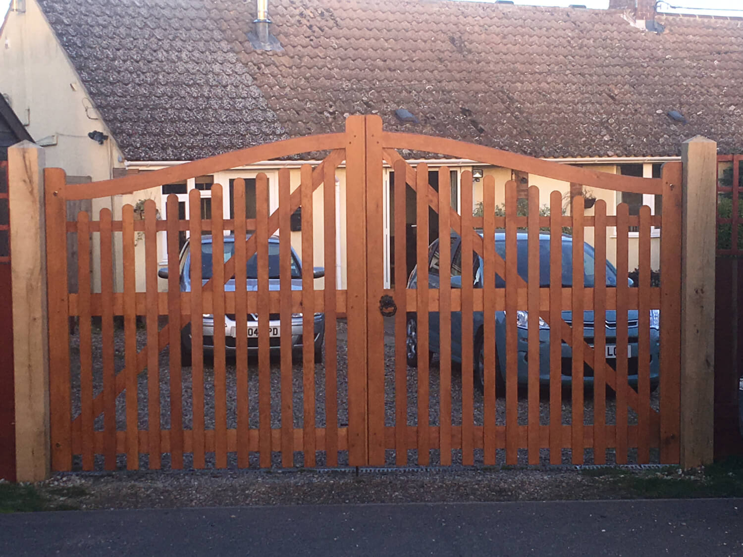 Fully paled driveway gates