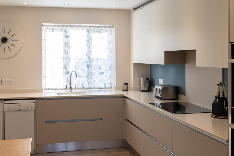 Handleless style kitchen