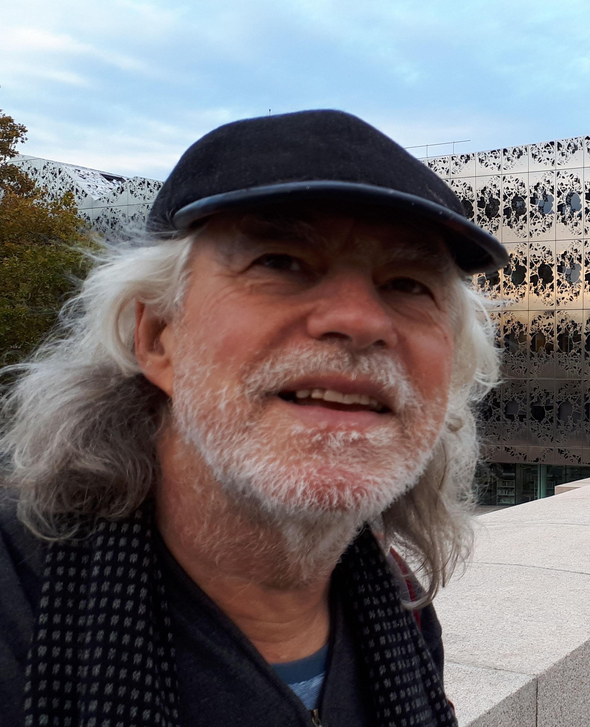 Jean-Yves_Vigneau_headshot.jpg