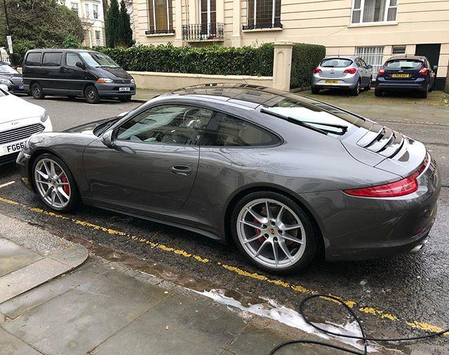 Maintenance wash for this beautiful #911 #carwashlondon #valetinglondon #valetingessex #valetinghertfordshire