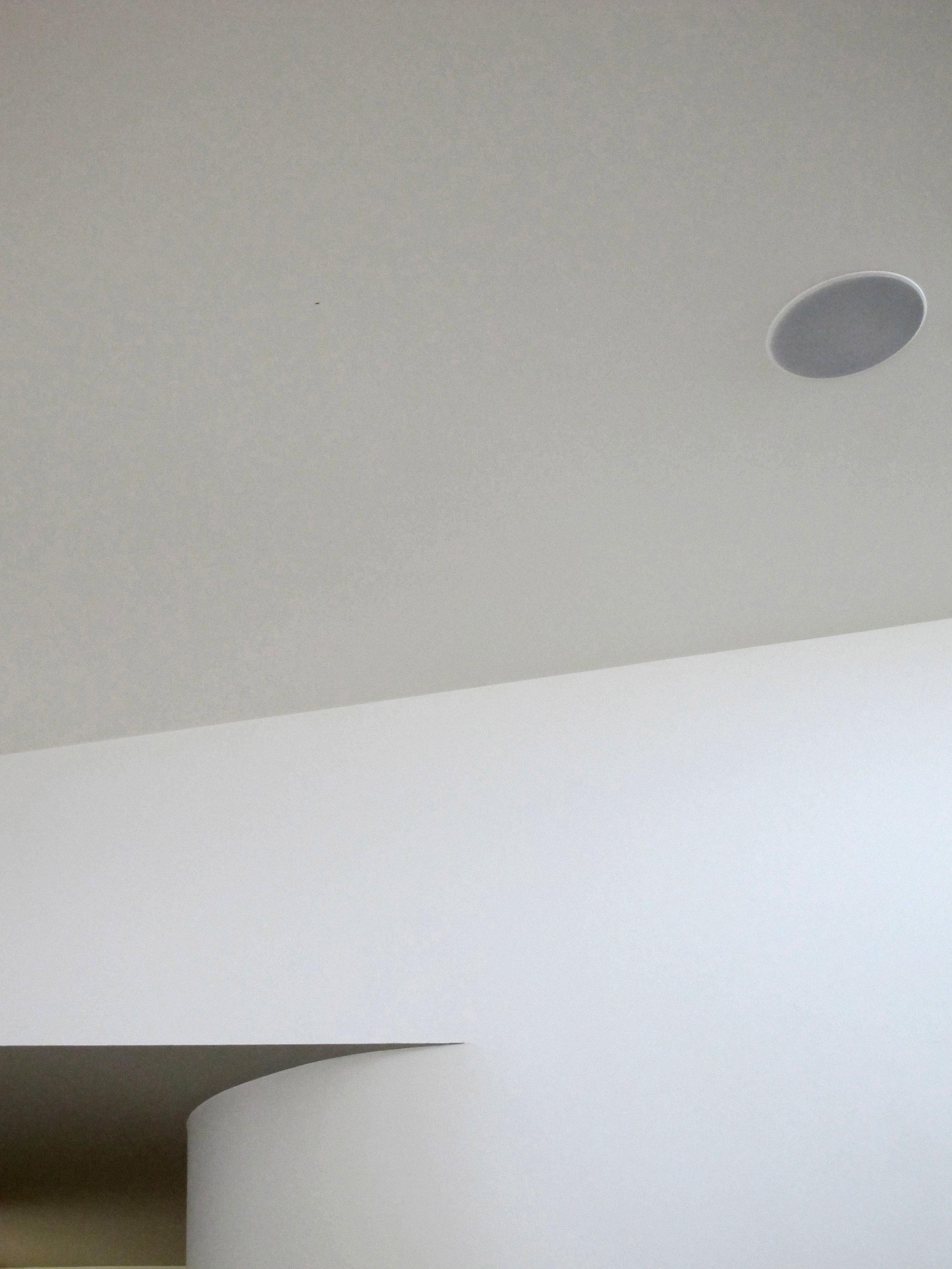Highlawn Curve Wall HR 2500x1875.jpg