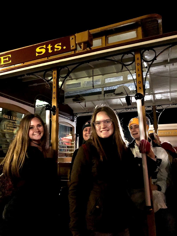sf_trolley1.jpg