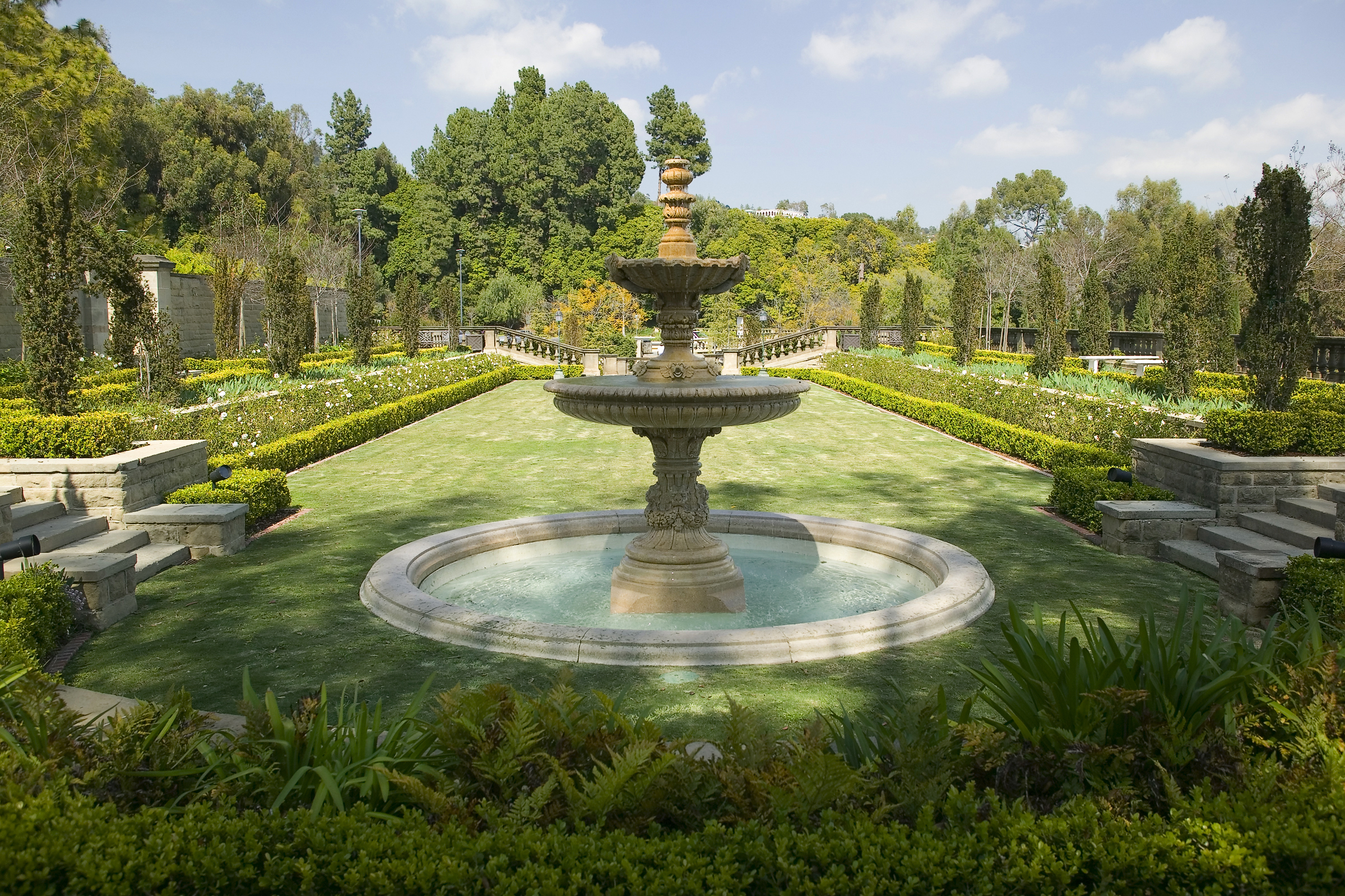 Greystone Mansion and Park fountain.jpg
