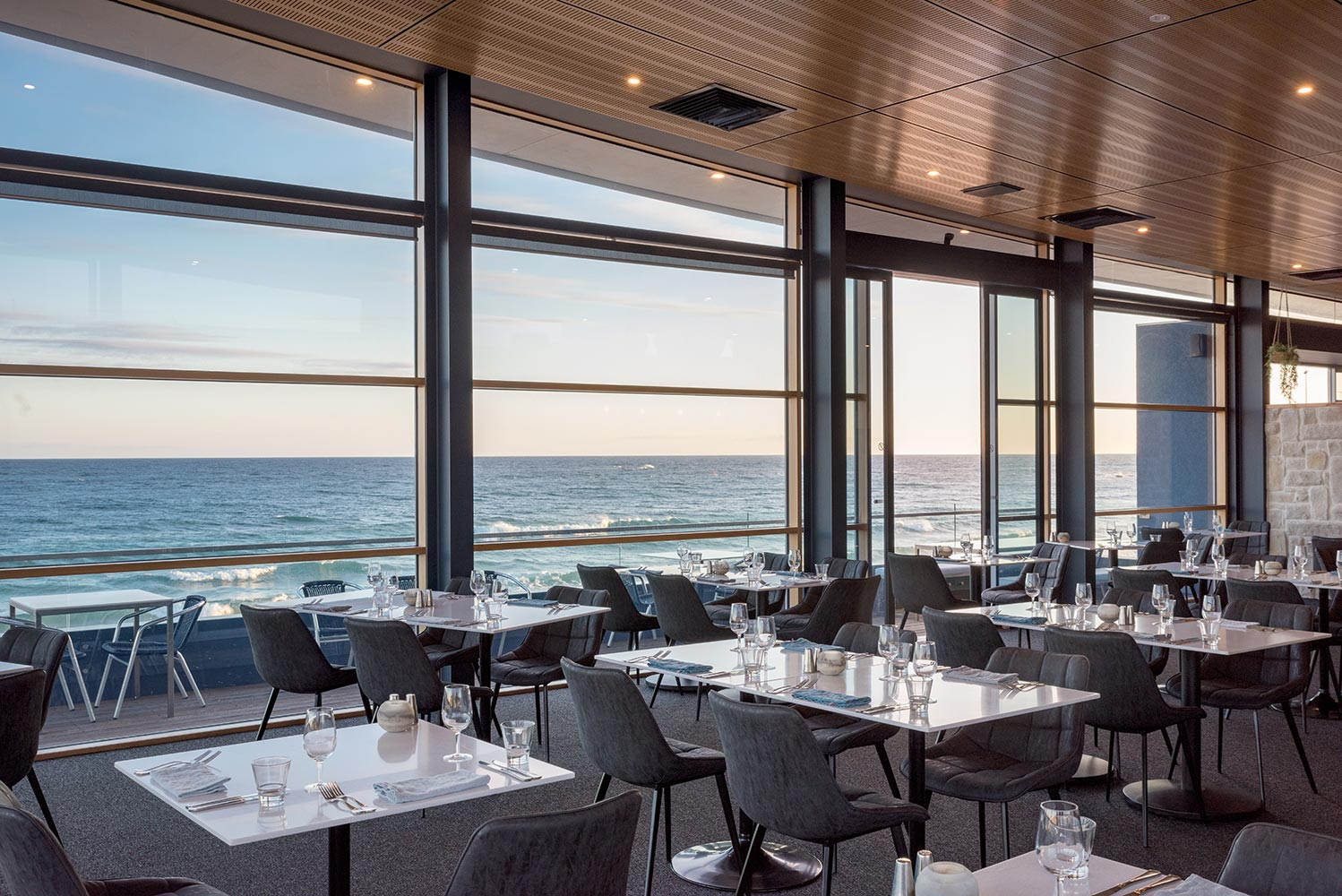 Restaurant Ocean Views
