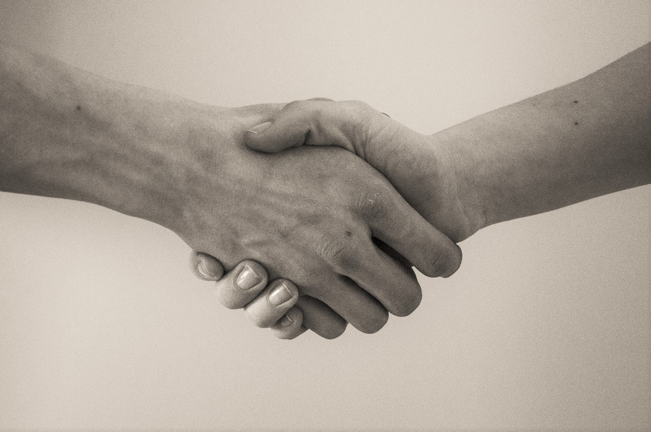 What are the benefits of settling a case? -