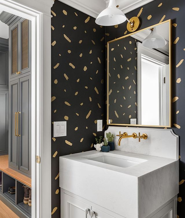 So. Good.👌🏼 . build: @the_fox_group_  design: @whiteandgolddesignco . . . #bathroomsofinstagram #utaharchitecturalphotographer #thatwallpaperthough #tightspaces