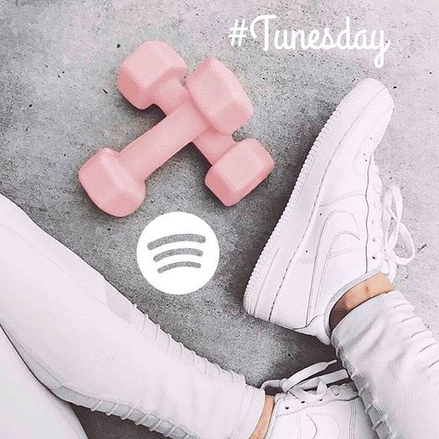 It's #tunesday! Listen to our new summer workout playlist on Spotify inspired by none other than Queen B 👑 herself 💦 💪 ⭐️ Let's work the middle till it hurt a little, y'all! Link in bio #sfspinsters #tunesday