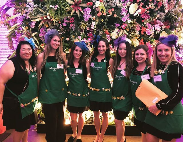 SPOTTED - our Spinnies looking lovely in floral volunteering at last night's Bouquets to Art gala supporting the @deyoungmuseum ! 🖼 💐 Fascinator and community service game strong, ladies! #sfspinsters #thisisspinsters