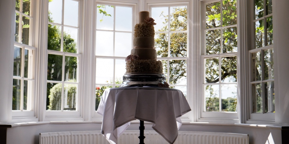 Cromwell Manor Wedding Cake