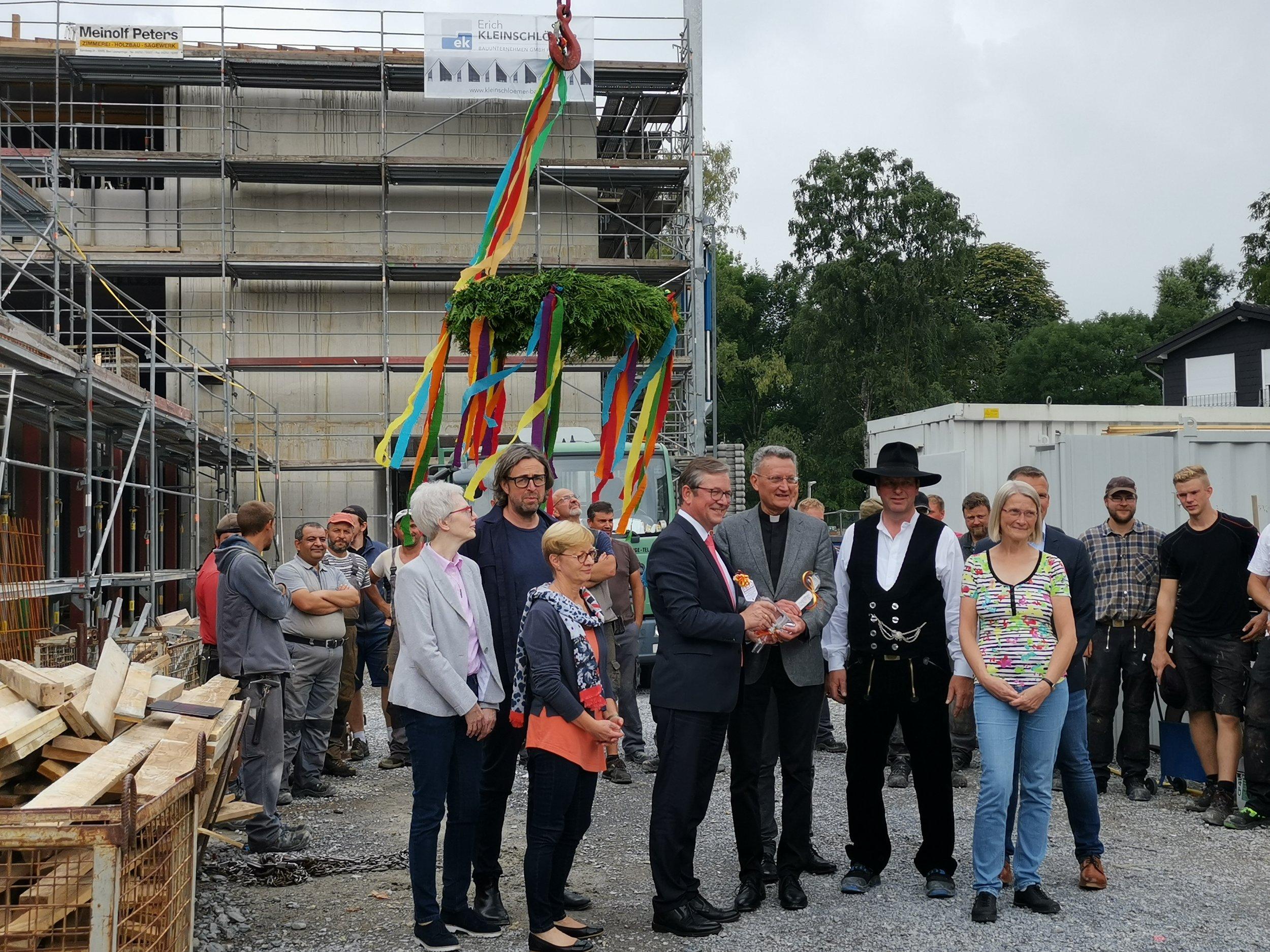 Richtfest - Wir feiern das Richtfest der Grundschule und Sporthalle St. Michaelschulen in PaderbornJuli 2019