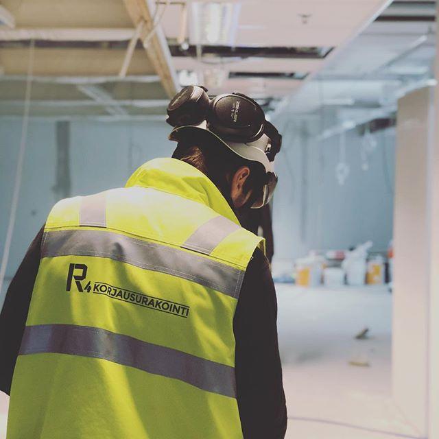 Päätettiin rakentamisen lisäksi ottaa myös Instagram haltuun!  #r4crew #r4korjausurakointi #rakennusliike