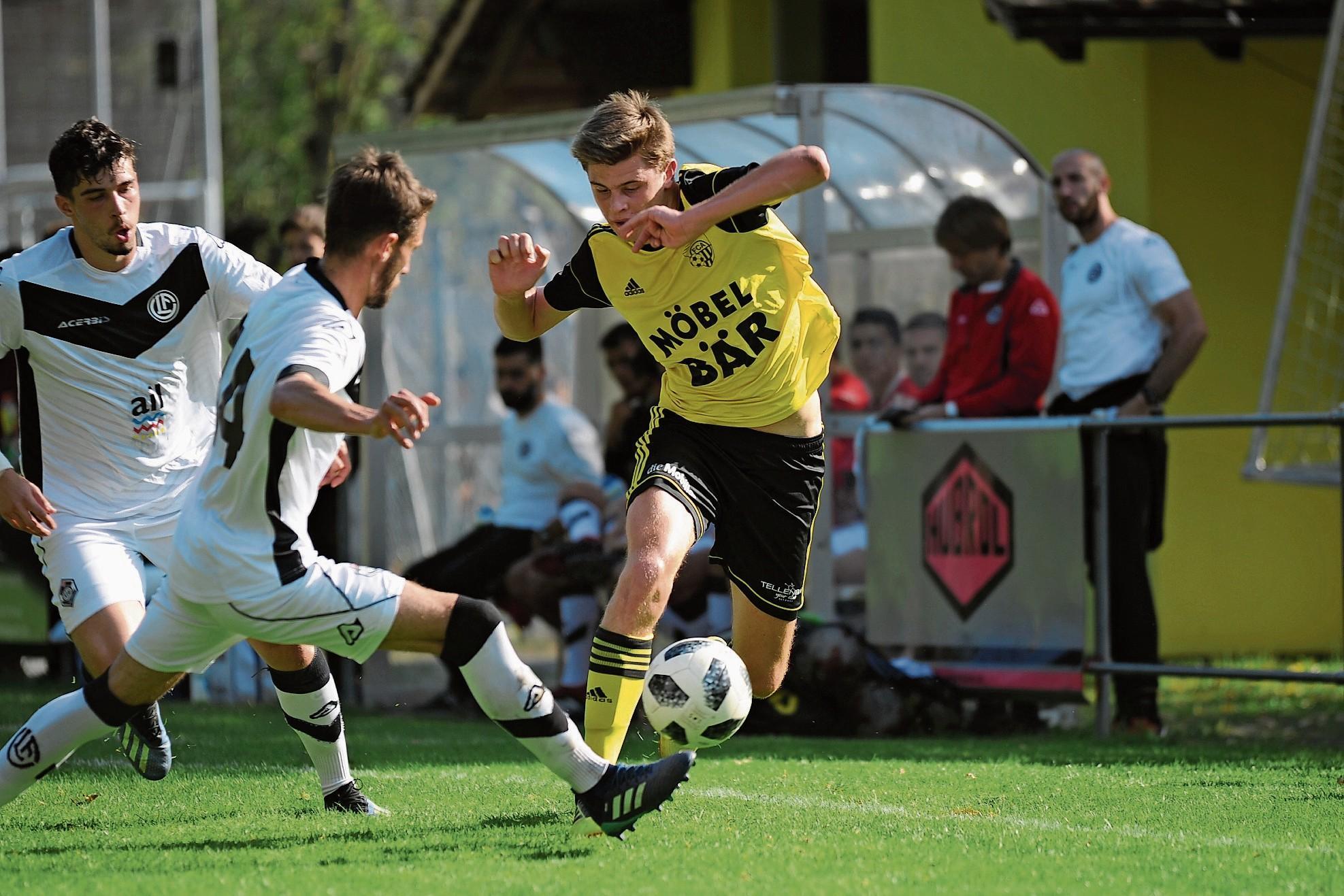 Altdorfs Nino Poletti beim Hinspiel gegen Lugano U21. Foto: Urner Zeitung