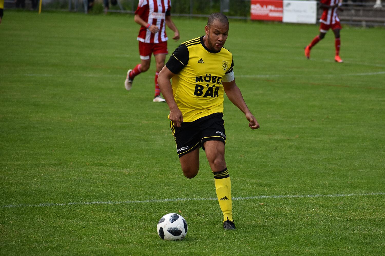 Altdorf mit Captain Calderon Mavembo will gegen Stans den Heimsieg anstreben. Foto: FC Altdorf