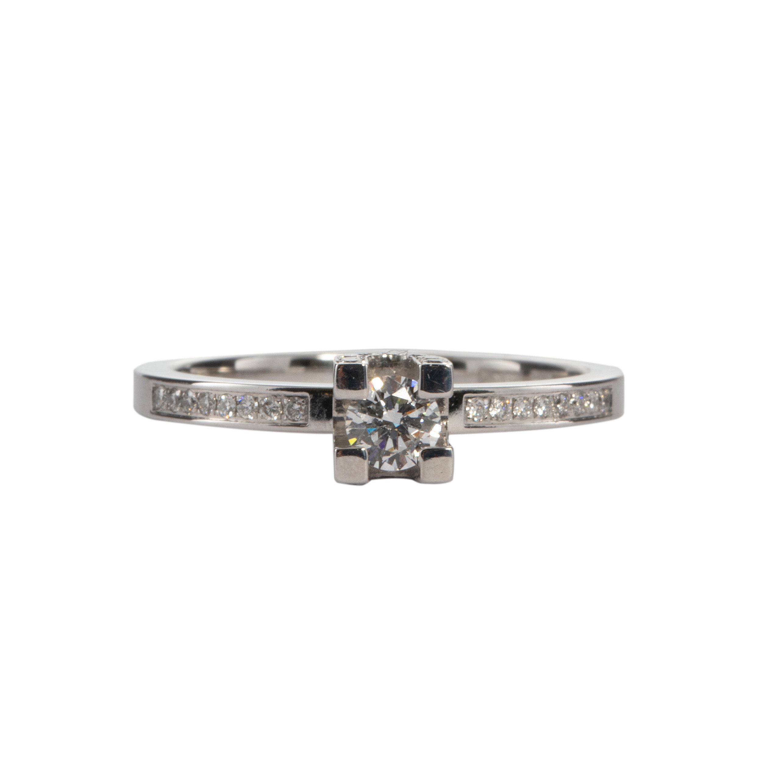 LOEGATE RING WITH DIAMONDS