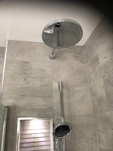 Bathroom_9.jpg