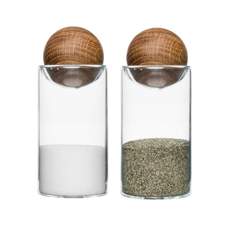 Sagaform Oval Oak Salt & Pepper Shaker - £17.99 - Practical yet super functional, this salt and pepper set features a circular Oak stopper. The Set of 2 Oval Oak Salt & Pepper Shakers features a super modern Scandinavian design and will look great set in the middle of your dining table.