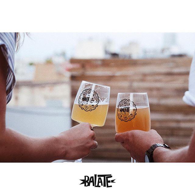 Balate, compañera de día y de noche, de terrazas...de momentos únicos e irrepetibles 🍻⠀⠀⠀⠀⠀⠀⠀⠀⠀⠀⠀⠀⠀⠀⠀⠀⠀⠀ ⠀⠀⠀⠀⠀⠀⠀⠀⠀ ⠀⠀⠀⠀⠀⠀⠀⠀ #balate#balategastronomica#maridaje#pairing#igersbcn#maresme#igersmaresme#sommelier#beergram#instabeer#auténtica#craftbeer#beer#gourmet#gastrovictim#bcngourmet#cervesa#cervesaartesana#cervezaartesanal#gastropindoles#foodbcn#bcngourmet#ig_gastronomic#gastronomy#igersbcn#authentic#foodies#nil#balatenil#balatecervezaartesana#maresmegourmet #productedeproximitat