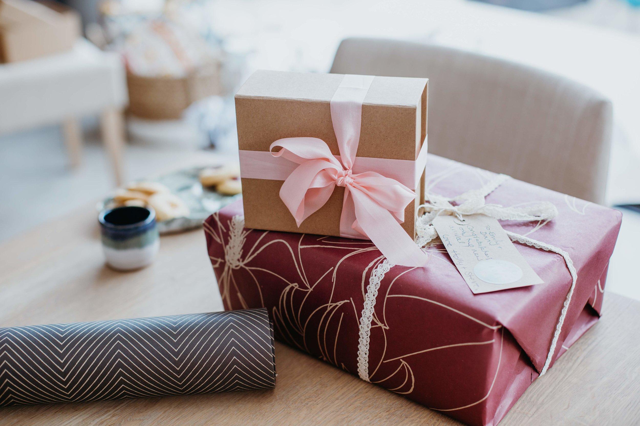 H&R gift wrap 9.jpg