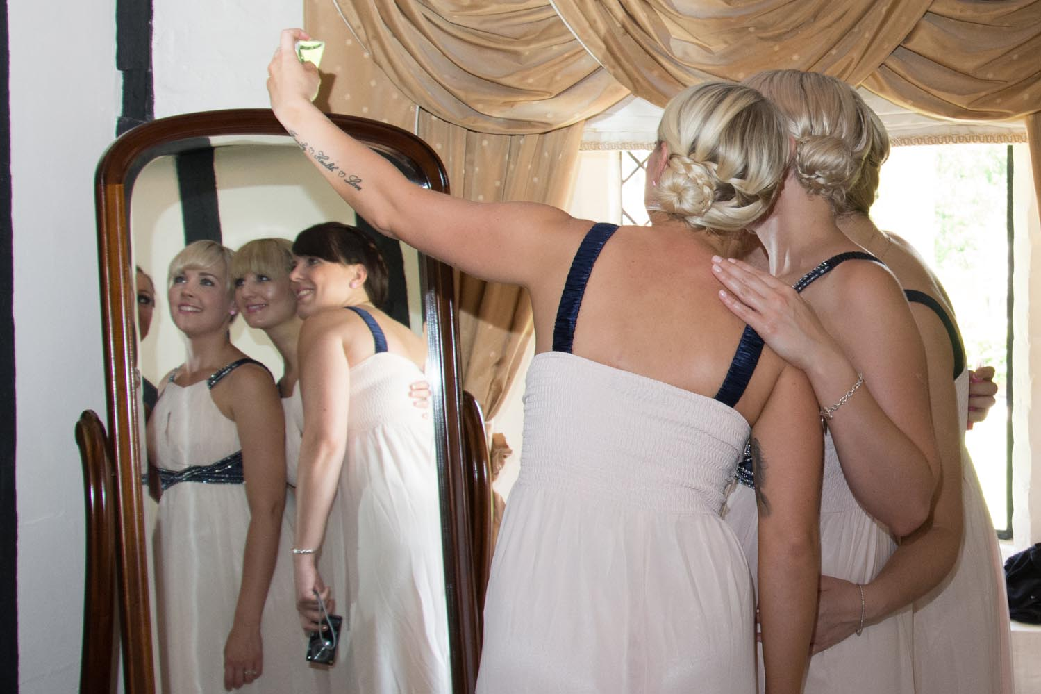 Bridesmaids quick selfie
