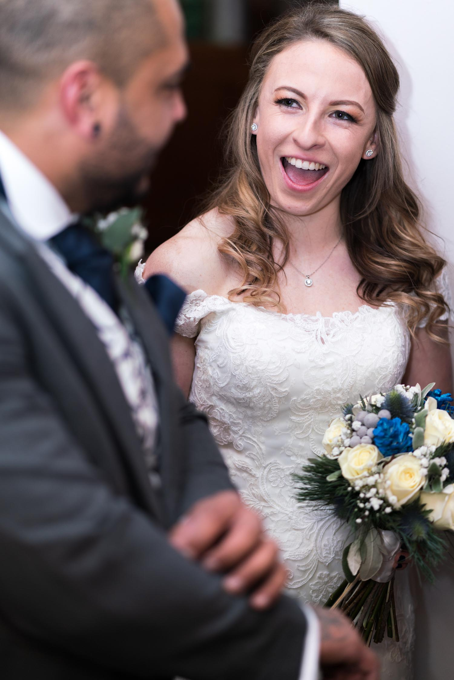 wedding-photos-bride-groom-family-friends-ye-olde-plough-house-essex-131.jpg