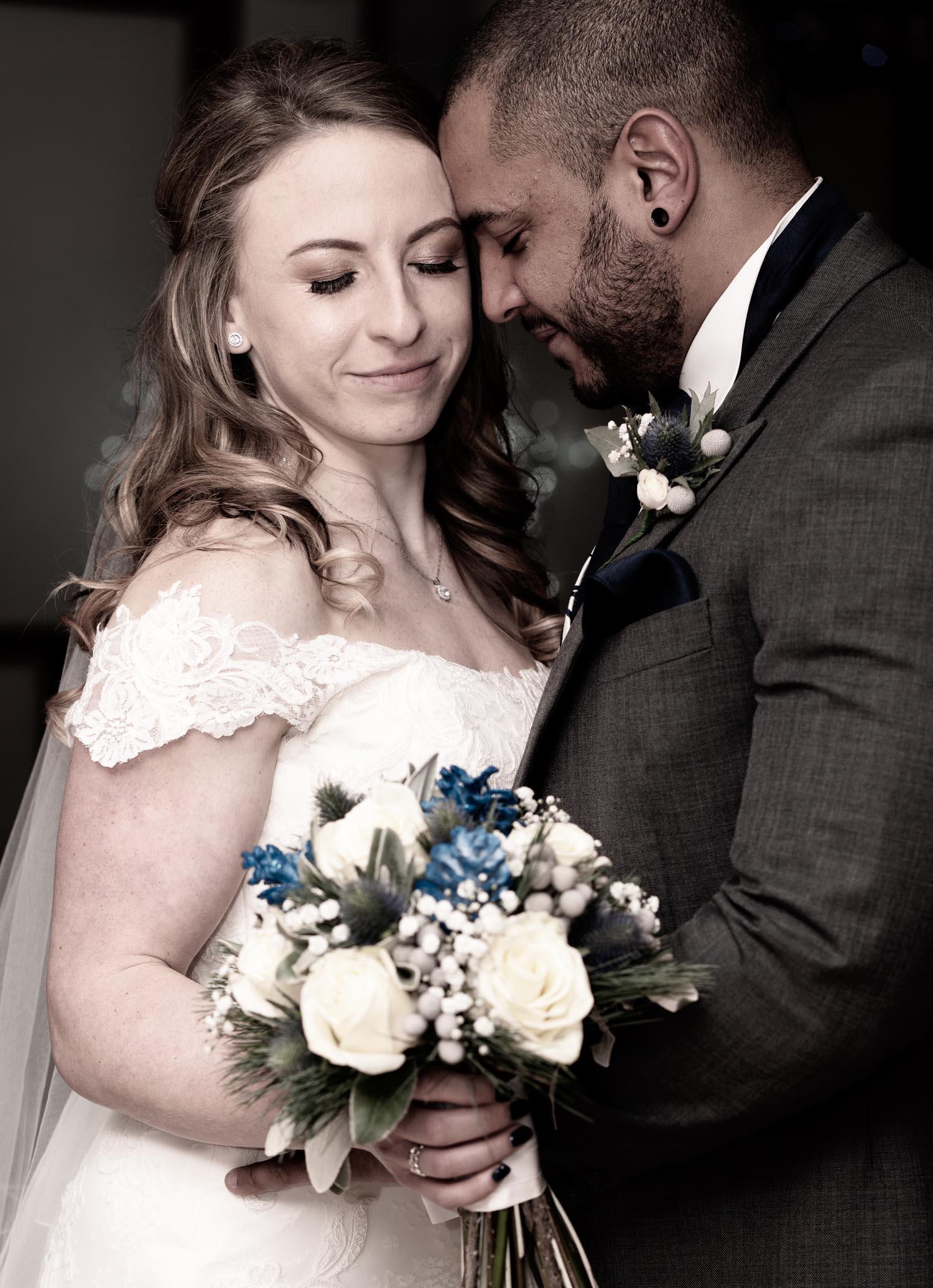 wedding-photos-bride-groom-ye-olde-plough-house-essex-024.jpg