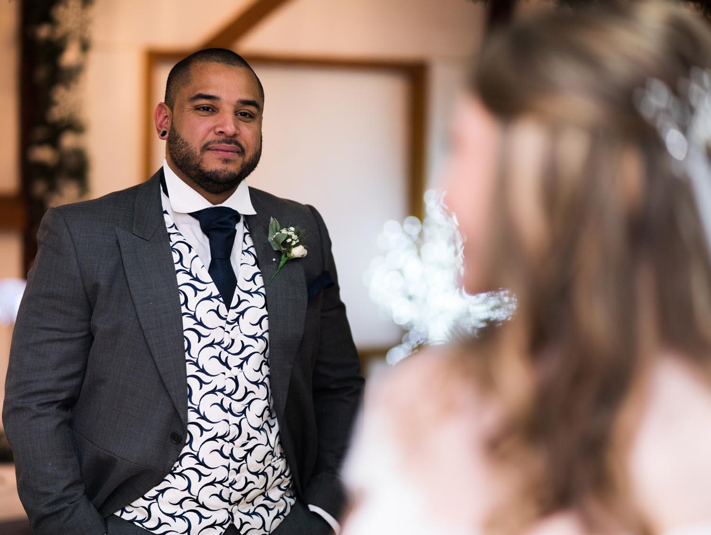 wedding-photos-bride-groom-ye-olde-plough-house-essex-082.jpg