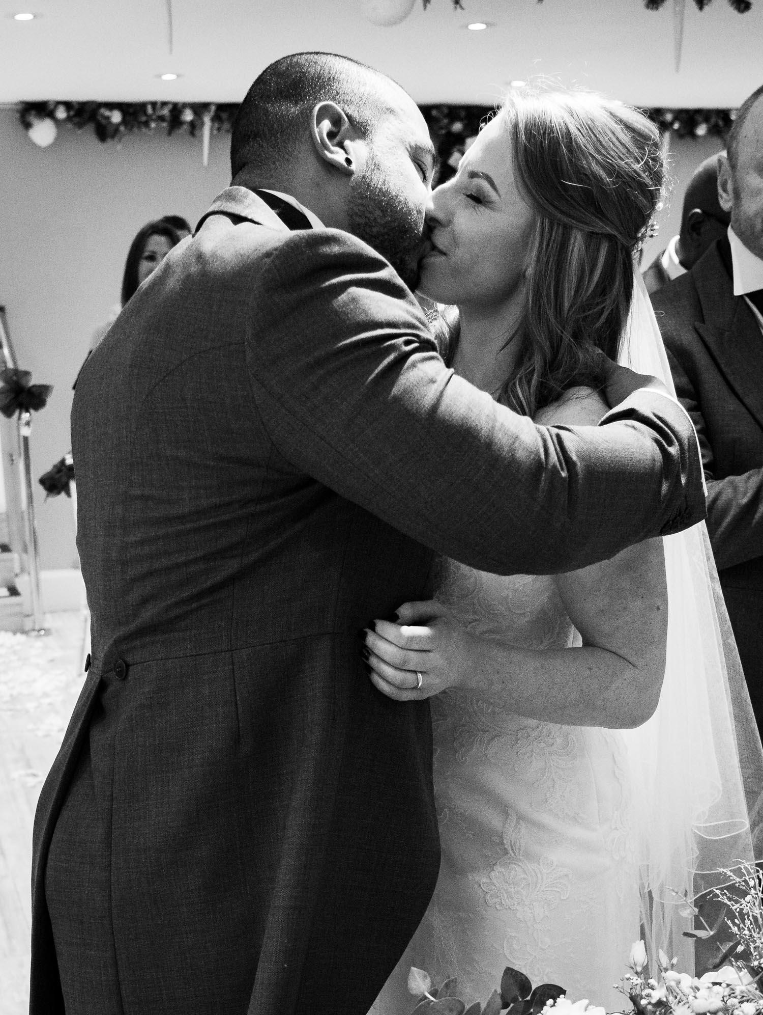 wedding-photos-ceremony-ye-olde-plough-house-essex-648.jpg