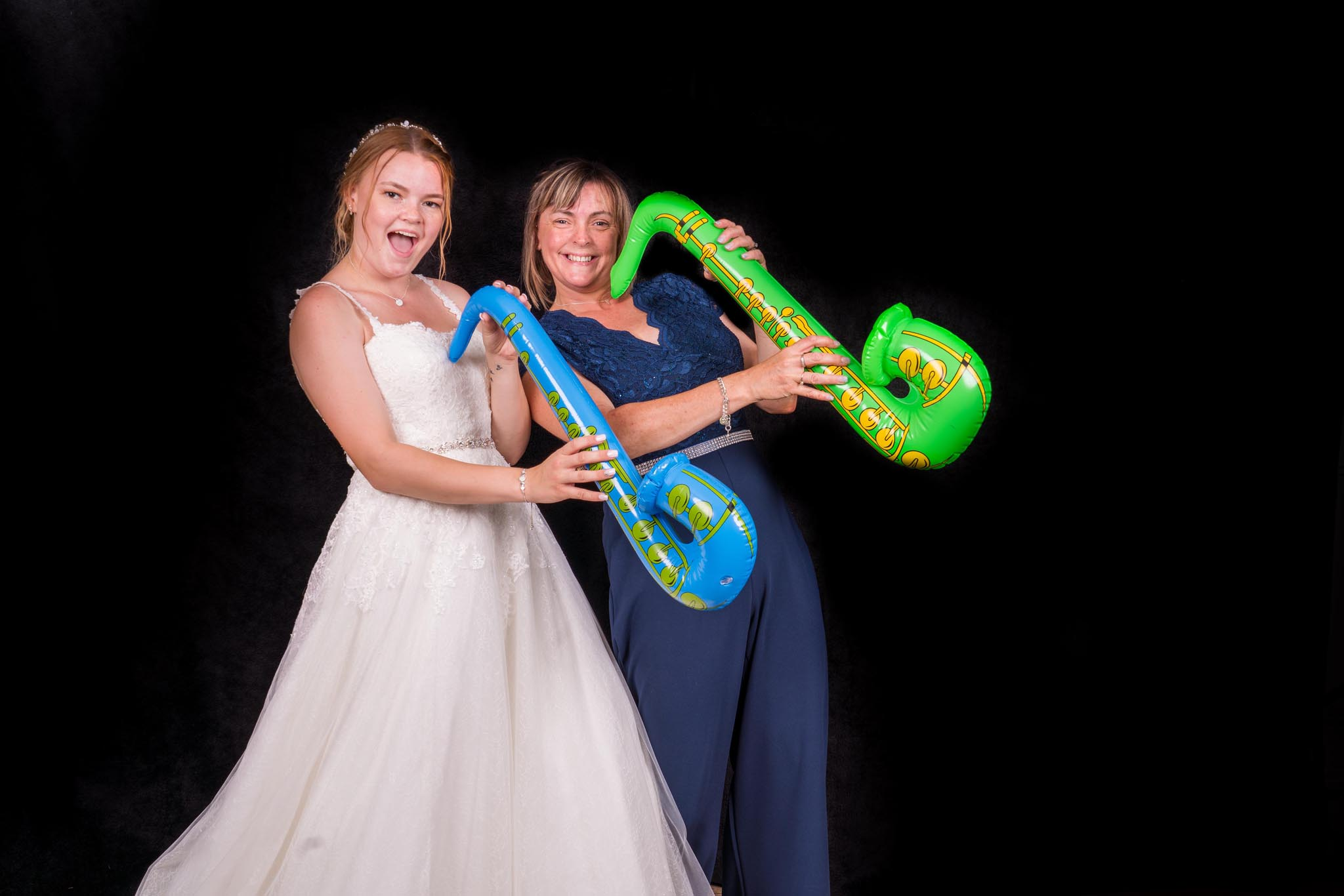 1166-Photo-Booth-Luke-Yasmin-The-Rayleigh-Club-Wedding-Photography.jpg