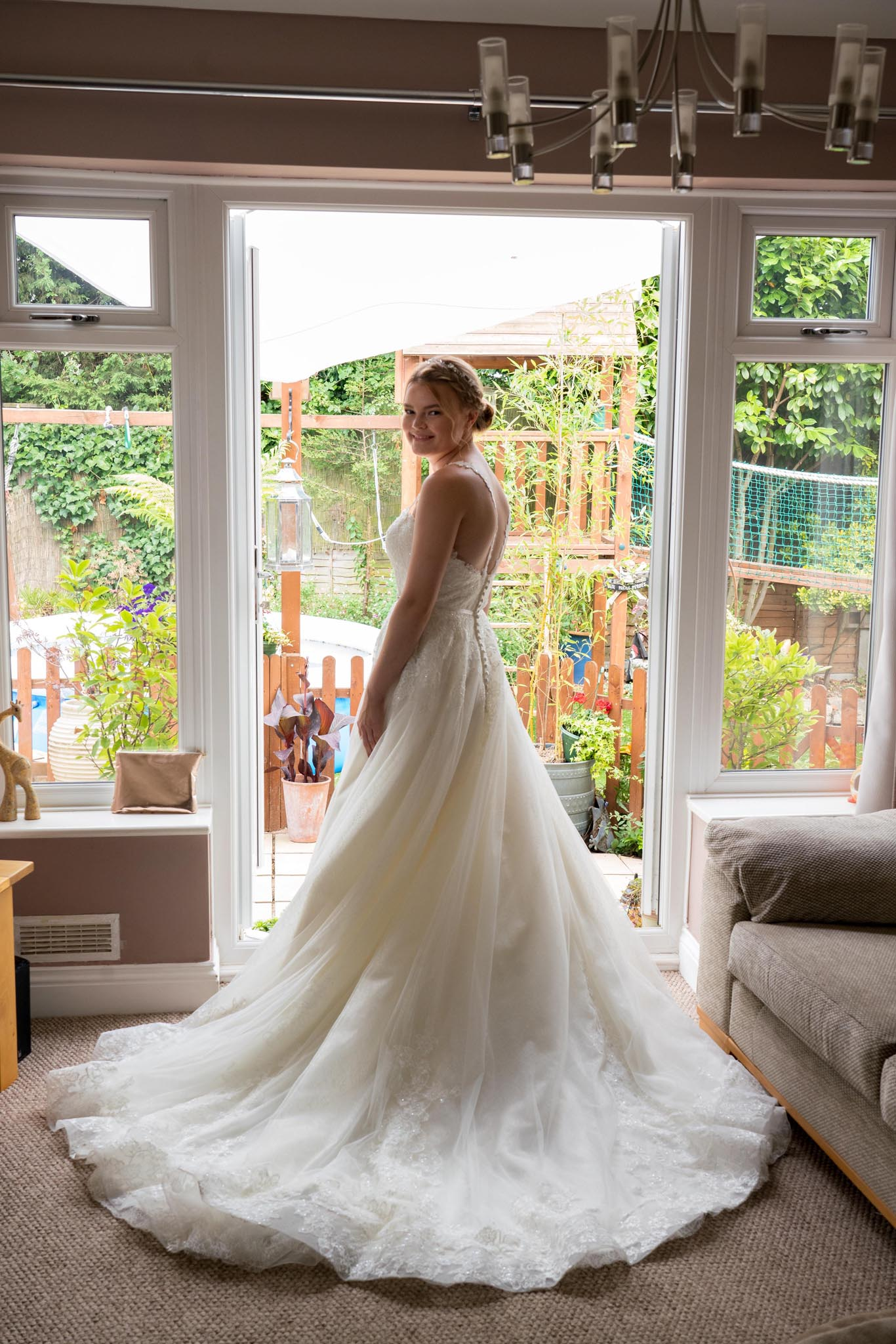 146-Preparations-Luke-Yasmin-The-Rayleigh-Club-Wedding-Photography.jpg