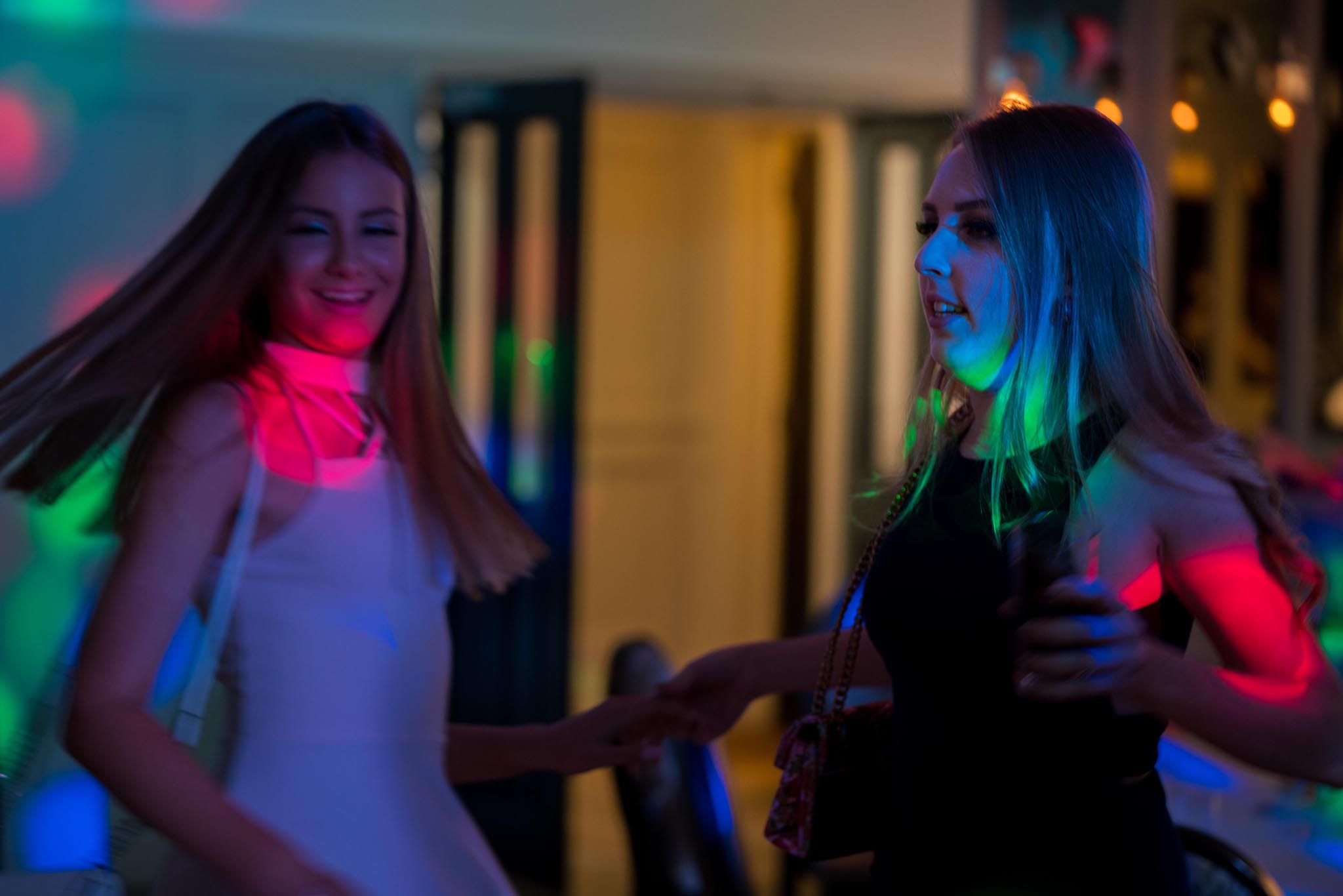 1016-Night-Reception-Luke-Yasmin-The-Rayleigh-Club-Wedding-Photography.jpg
