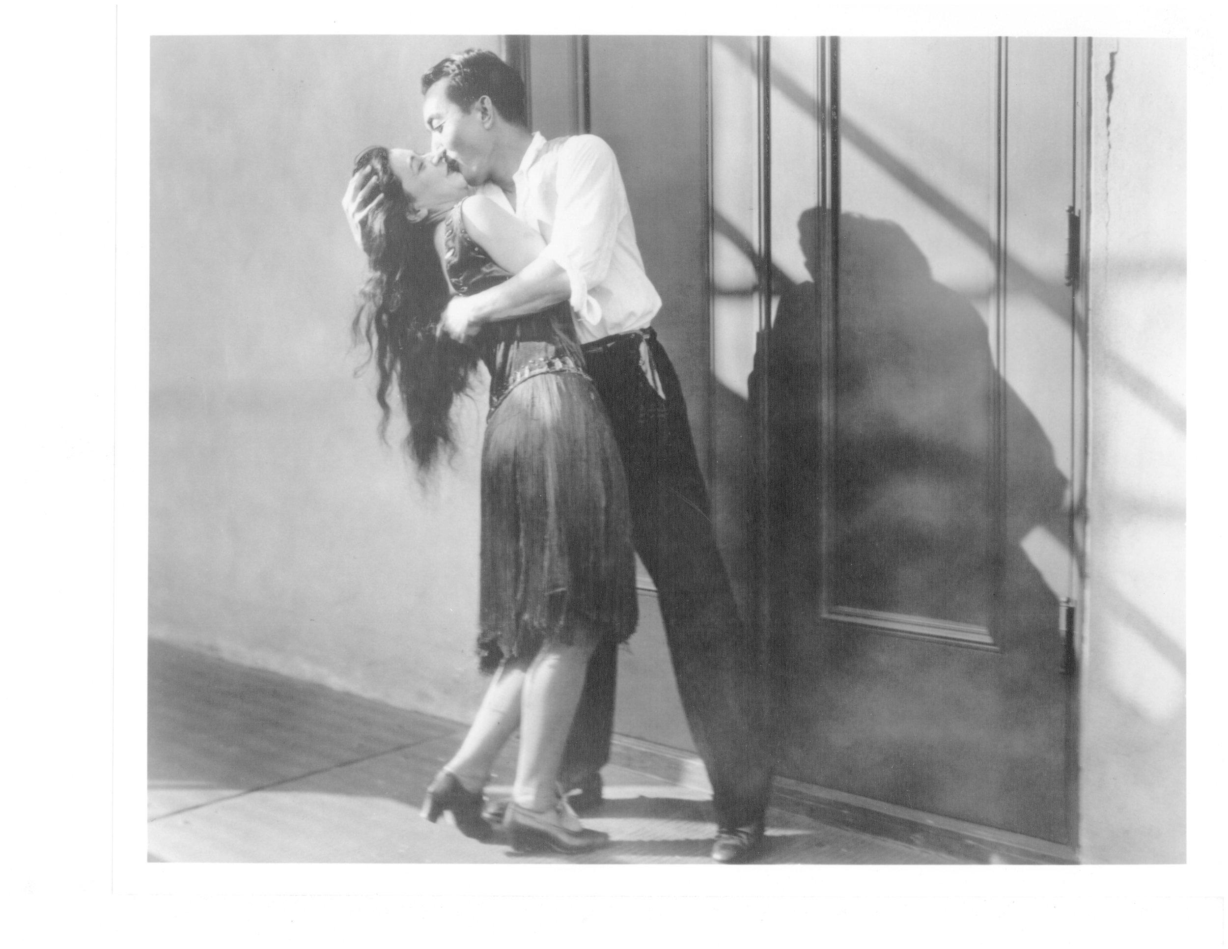 kissing 600dpi.jpg