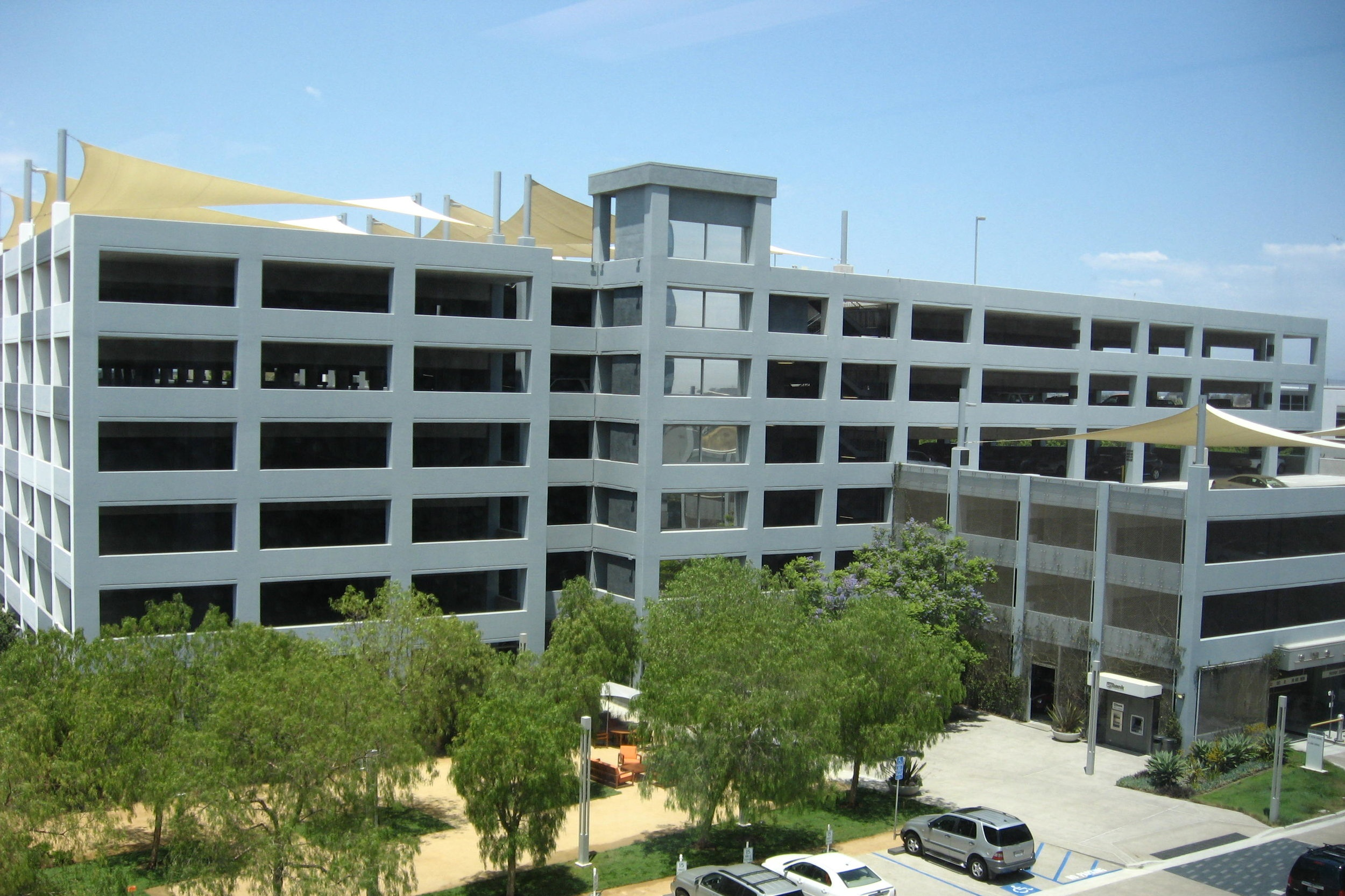 LA JOLLA COMMONS GARAGE EXPANSION PARKING STRUCTURE - La Jolla, CA:Seven story post-tensioned concrete structure addition for 483 cars.Contractor: ARB STRUCTURESArchitect: INTERNATIONAL PARKING DESIGN (IPD)