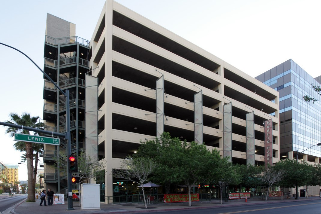 LEWIS STREET PARKING STRUCTURE - Las Vegas, NVEight story post-tensioned concrete structure for 428 cars.Contractor: BOMEL CONSTRUCTION