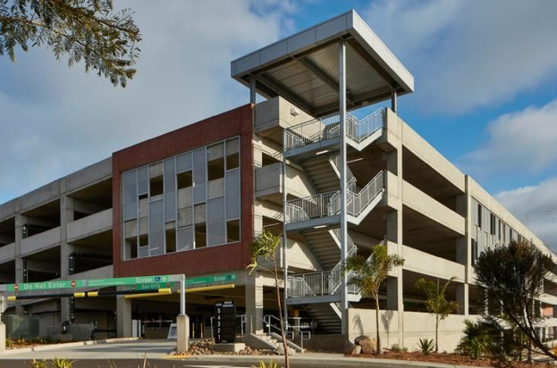 PALOMAR COMMUNITY COLLEGE PARKING STRUCTURE - San Marcos, CAFive story post-tensioned concrete structure for 1,615 cars.Contractor: McCARTHYArchitect: INTERNATIONAL PARKING DESIGN (IPD)