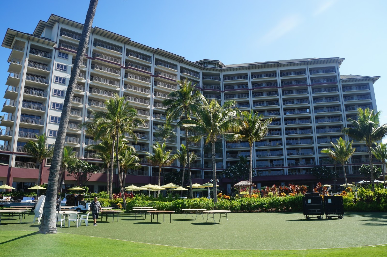 HYATT MAUI ka'anapali beach - Lahaina, HITwelve story reinforced concrete building with concrete shear walls, concrete moment frames and post-tensioned slabs, including a full basement, for interval-ownership condominiums.Contractor: PCLArchitect: GROUP 70 INTERNATIONAL