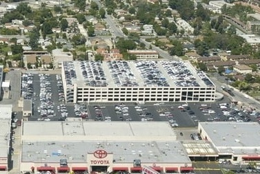 LONGO TOYOTA PARKING STRUCTURE - El Monte, CAFive story post-tensioned concrete structure for 2590 cars.Contractor: BOMEL CONSTRUCTIONArchitect: INTERNATIONAL PARKING DESIGN (IPD)