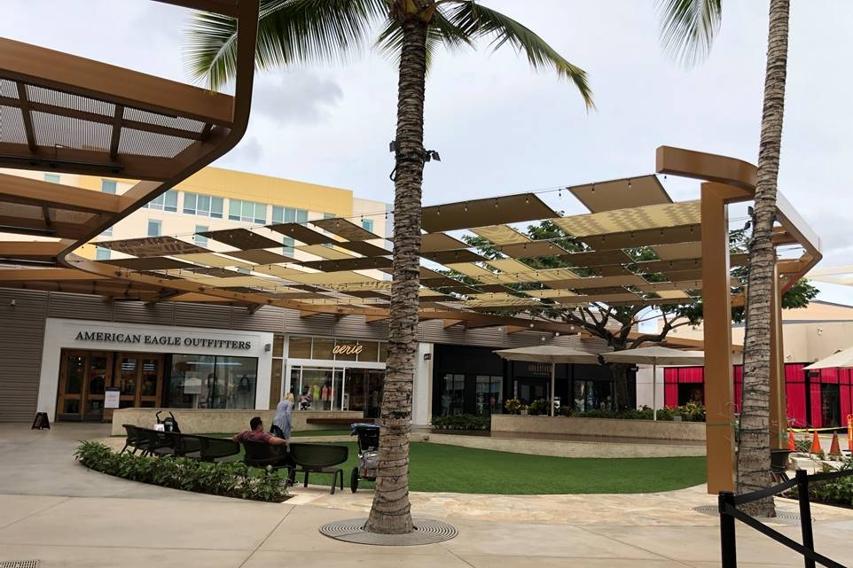 KA MAKANA ALI'I REGIONAL SHOPPING CENTER - Kapolei, HI10 buildings totaling over 420,000 square feet of structural steel lowrise with steel moment frames.Contractor: PCLArchitect: ARCHITECTS HAWAII