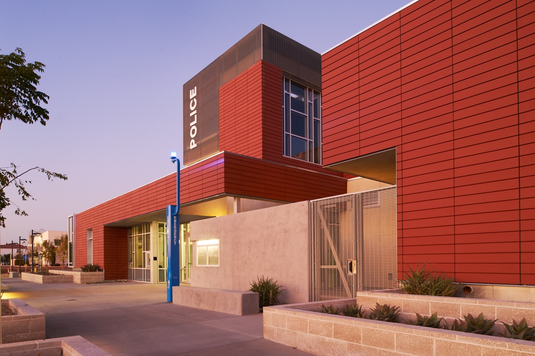 MIRAMAR COLLEGE POLICE SUBSTATION - San Diego, CASingle story structure with post-tensioned slabs and masonry bearing walls.Contractor: McCARTHY BUILDINGArchitect: HARLEY ELLIS DEVEREAUX