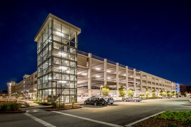 SCOTT blvd PARKING STRUCTUREs - Santa Clara, CA:SITE P1: Five story concrete structure with precast columns and beams and cast-in-place, post-tensioned slabs for 3123 cars.SITE P2: Three story concrete structure with precast columns and beams and cast-in-place, post-tensioned slabs for 987 cars.Contractor: DEVCON CONSTRUCTIONArchitect: HNA/PACIFIC