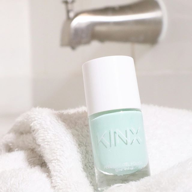 Freshen up your nails with our #SoFreshSoClean AIR.DRY.PEEL.OFF Gel Polish. . . . . . #gelpolish #gelnails #pastelnails #pastelpolish #fitness #cosmetics #beauty #activebeauty #kinxactive