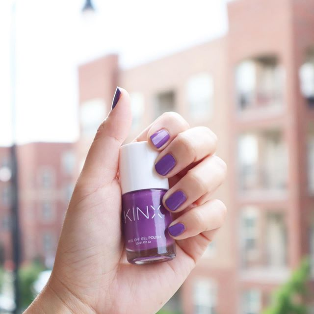 Obsessed with #PurpleRain, perfect for the spring time. What do you think? 🤗 . . . . . #purplenails #gelpolish #gelnails #peeloffnailpolish #beauty #activebeauty #cosmetics #fitness #activelife