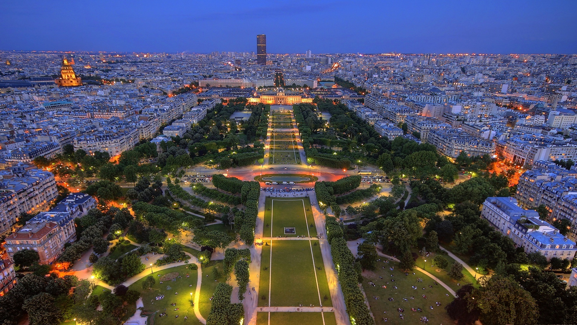 The view of the  Champs de Mars  from the Eiffel Tower