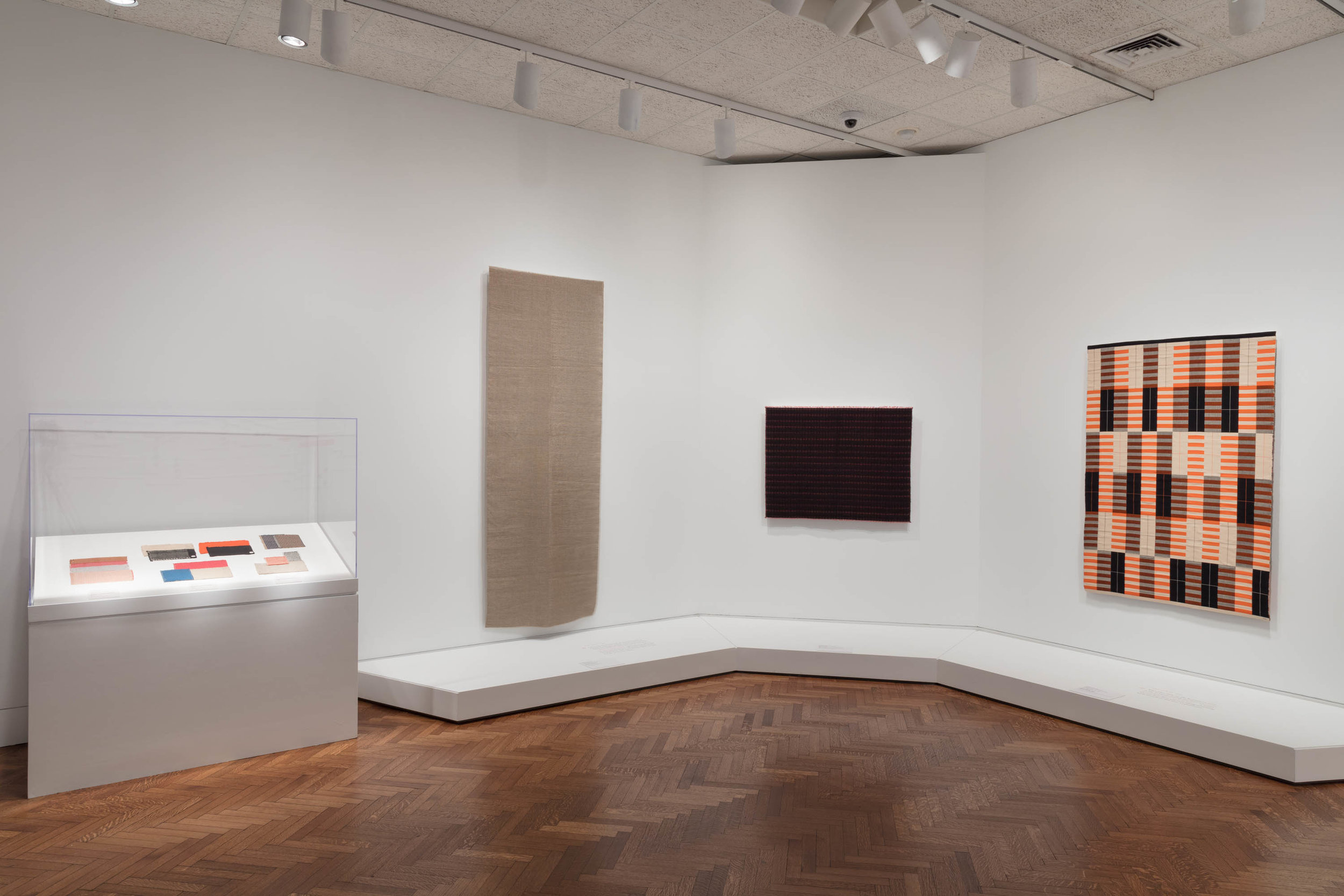 Elizabeth F. Cheney and Agnes Allerton Textile Galleries, The Art Institute of Chicago, 2019.