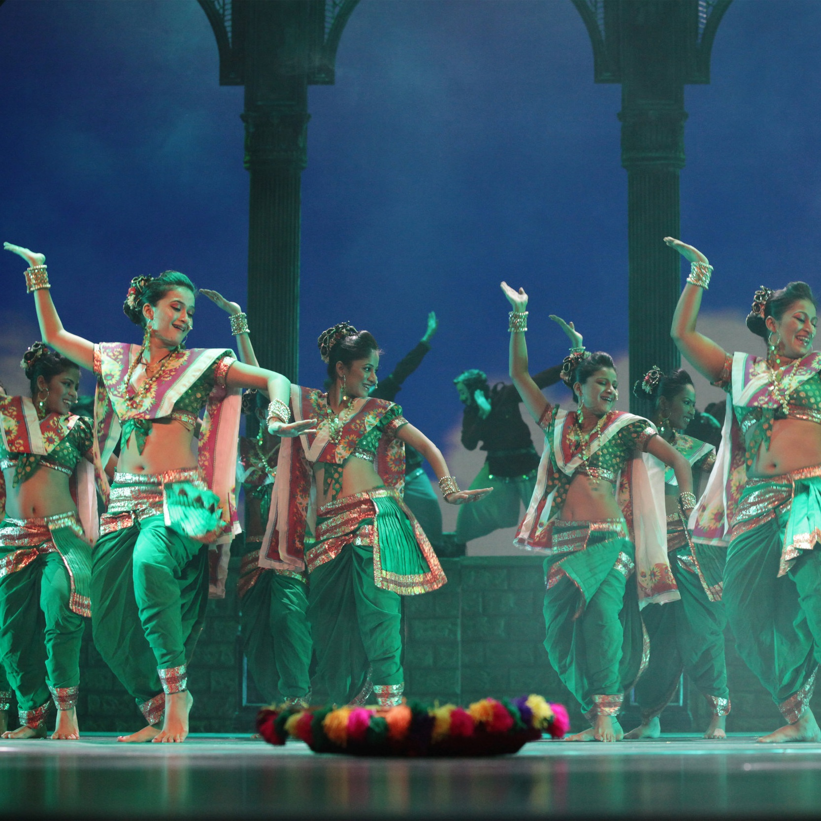TAJ EXPRESS: BOLLYWOOD MUSICAL REVUE - NOV 23 - DEC 1, 2019BLUMA APPEL THEATREST. LAWRENCE CENTREPRESS RELEASEHI-RES PHOTOSLEARN MORE